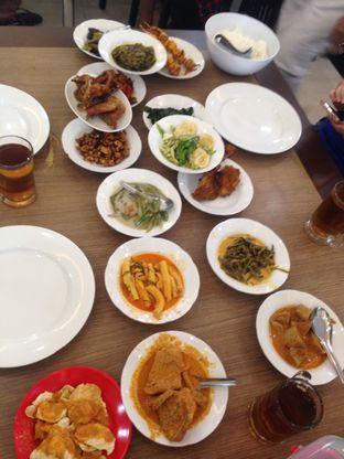 Foto - Makanan di RM Indah Jaya Minang oleh Hendy William