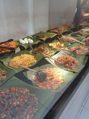 Foto 6 - Makanan di Nasi Pedas Bali Made oleh Duolaparr