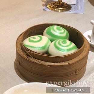Foto 2 - Makanan(bakpao telur asin) di Sun City Restaurant - Sun City Hotel oleh Patsyy