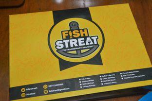 Foto 3 - Makanan di Fish Streat oleh IG: biteorbye (Nisa & Nadya)