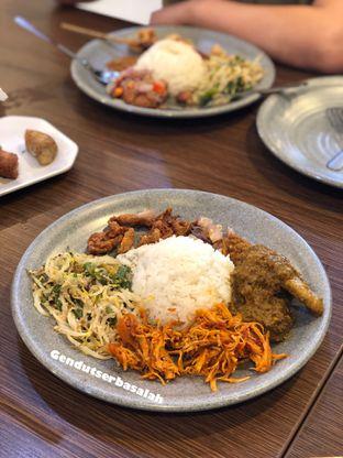 Foto 2 - Makanan di Babi Guling Ko Made oleh Gendut Serba salah