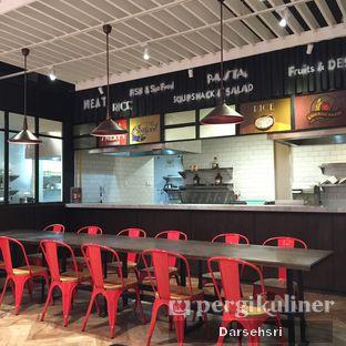 Foto 4 - Interior di Food Theater oleh Darsehsri Handayani