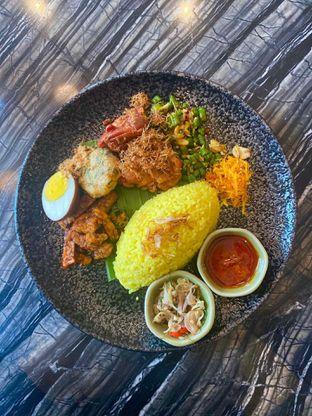 Foto 11 - Makanan di Putu Made oleh Levina JV (IG : levina_eat )