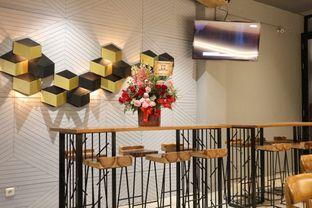 Foto 17 - Interior di MacKenzie Coffee oleh Mola Hidratinum