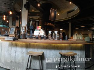Foto 8 - Interior di One Eighty Coffee and Music oleh Jajan Rekomen