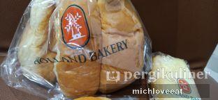 Foto 3 - Makanan di Holland Bakery oleh Mich Love Eat