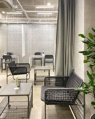 Foto 4 - Interior di Tu7uhari Coffee oleh Explorewith_ardi