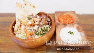 Foto 9 - Makanan di Emado's Shawarma oleh Mich Love Eat