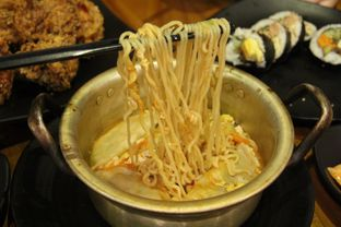 Foto 1 - Makanan(Pot Ramen) di Ahjumma Kitchen oleh Melisa Stevani