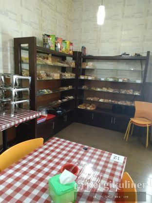 Foto 3 - Interior di New Indah Cafe oleh Ruly Wiskul