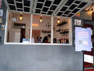 Foto 3 - Interior di Dulu Kala Coffee & Barbershop oleh PemakanSegala