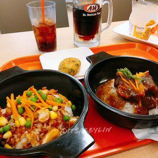 Foto 1 - Makanan di A&W oleh abigail lin