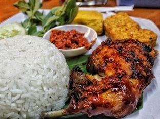 Foto - Makanan(Paket Nasi Ayam Bakar) di Ayam Bakar Kambal oleh Ellen @MakanDoangg
