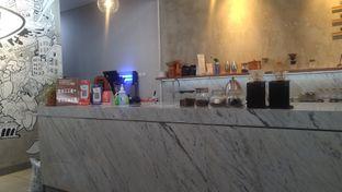 Foto 5 - Interior di Pivot Coffee oleh Kuliner Keliling