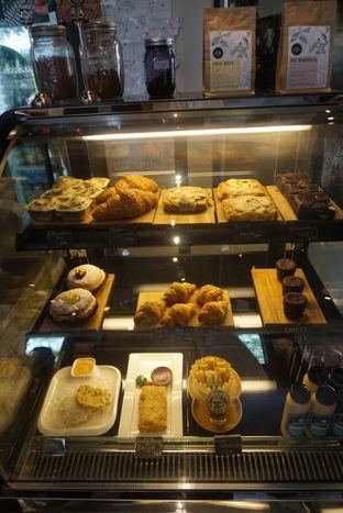 Foto 9 - Interior di Doppio Coffee oleh Andin | @meandfood_