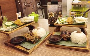 Foto 2 - Makanan di Ayam Baper oleh Devi Renat
