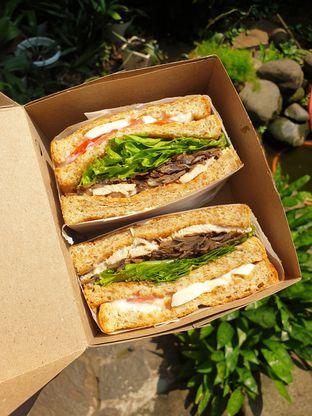 Foto 2 - Makanan(Club sandwich) di SandShack oleh Pengembara Rasa