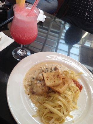 Foto review Kafe Victoria oleh Qeqee Kusumawardani 1