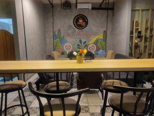 Foto 6 - Interior di Monti Kopi oleh Makan Terus