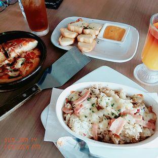 Foto 3 - Makanan di Pizza Hut oleh abigail lin