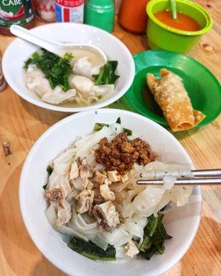 Foto 1 - Makanan di Bakmi Lung Kee oleh Junior