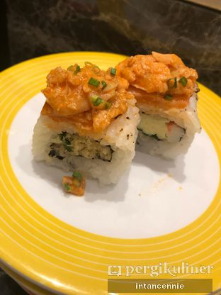 Foto 10 - Makanan di Sushi Go! oleh bataLKurus