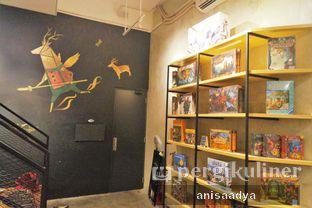 Foto 10 - Interior di The Bunker Cafe oleh Anisa Adya