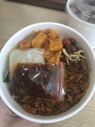 Foto 2 - Makanan di District 7 Coffee oleh Nanakoot