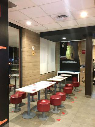 Foto 6 - Interior di McDonald's oleh Prido ZH