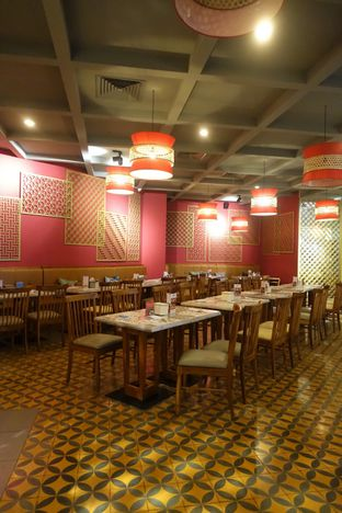 Foto 7 - Interior di Madame Mai oleh inggie @makandll