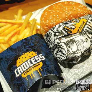 Foto 4 - Makanan(Motley burg lunch set) di Lawless Burgerbar oleh Jajan Diary