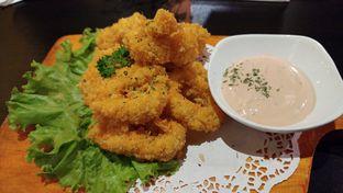 Foto 4 - Makanan(Calamary Ring) di The Grounds oleh Cooventia Family