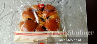 Foto review Holland Bakery oleh Mich Love Eat 2