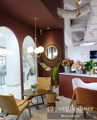 Foto 2 - Interior di 11:11 Coffee oleh Darsehsri Handayani