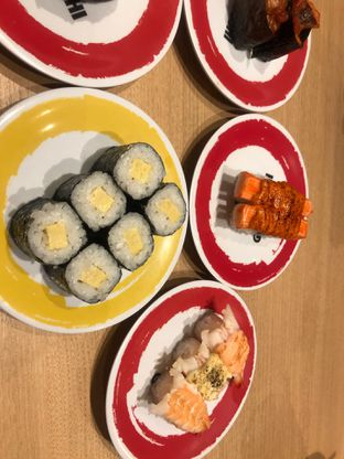Foto 3 - Makanan di Genki Sushi oleh hrlypuputwp