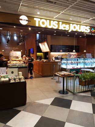Foto 1 - Interior di Tous Les Jours oleh Andry Tse (@maemteruz)