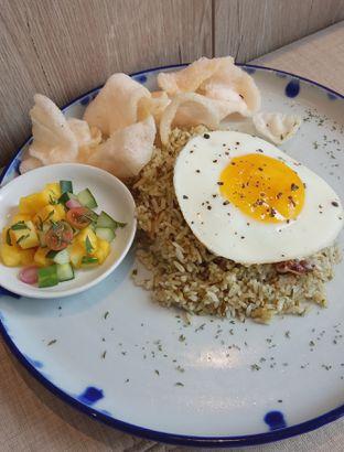 Foto 2 - Makanan(Nasi Goreng Cabe Ijo (IDR 68.9k) ) di Cecemuwe Cafe and Space oleh Renodaneswara @caesarinodswr