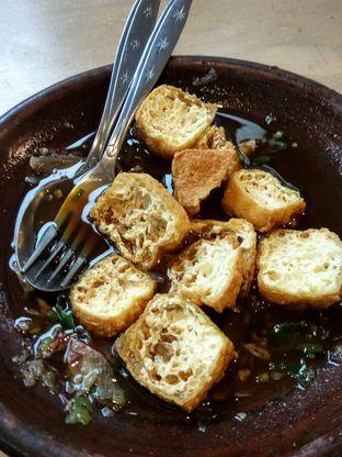 Foto 3 - Makanan(Tahu Gejrot) di Bale Soto oleh YSfoodspottings