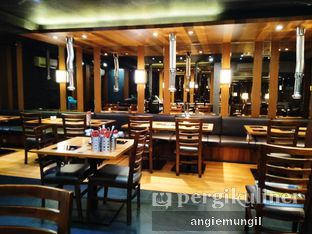 Foto 10 - Interior di Shabu Ghin oleh Angie  Katarina