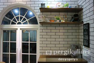 Foto 10 - Interior di Qubico Coffee oleh Desy Apriya