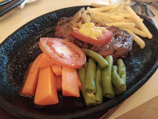 Foto 3 - Makanan di Bon Ami Restaurant & Bakery oleh ochy  safira