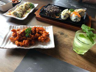Foto 2 - Makanan di MyoungDong Gyoza oleh @yoliechan_lie