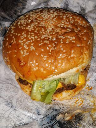 Foto 8 - Makanan di Lawless Burgerbar oleh Mouthgasm.jkt