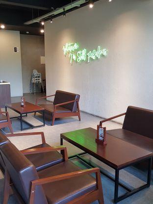 Foto 6 - Interior di Maketh Coffee & Eatery oleh Stallone Tjia (@Stallonation)