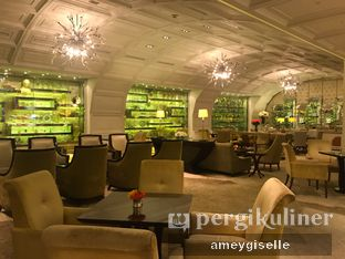 Foto 11 - Interior di The Cafe - Hotel Mulia oleh Hungry Mommy