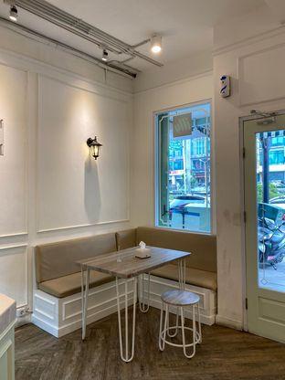 Foto 1 - Interior di Dandy Co Bakery & Cafe oleh Duolaparr