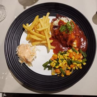 Foto 5 - Makanan(sanitize(image.caption)) di Black Butler Cafe - Hotel Sanira oleh Elena Kartika