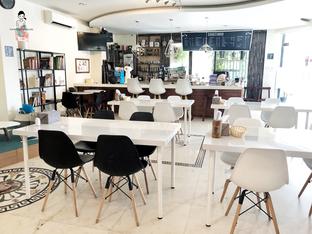 Foto 2 - Interior di Sang Cafe oleh Marisa Aryani