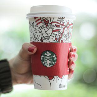 Foto - Makanan di Starbucks Coffee oleh thehandsofcuisine