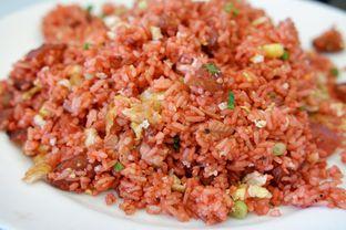 Foto 4 - Makanan(Nasi Goreng Merah) di RM Irtim Makassar oleh Chrisilya Thoeng